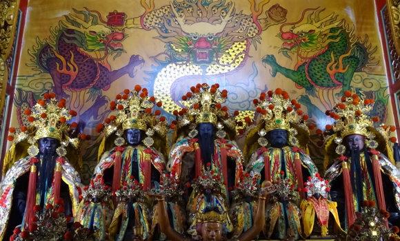 五福大帝環繞半個台灣抗新冠肺炎!五福大帝是那位神明?