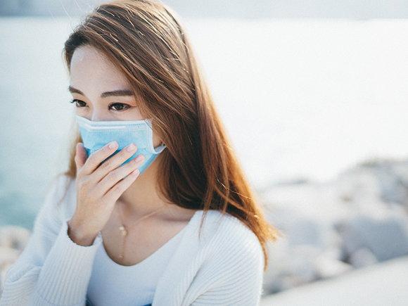 戴口罩有股臭味,究竟是口罩臭還是口臭?