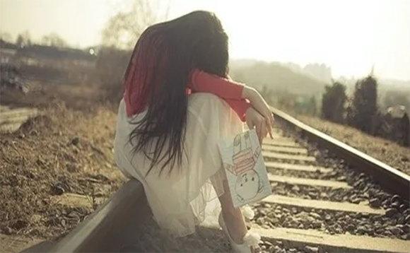 感情的挽回,並不是放低自己,哀求對方
