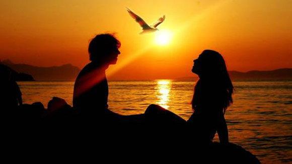 男女之間更有利於感情的交往相處方式